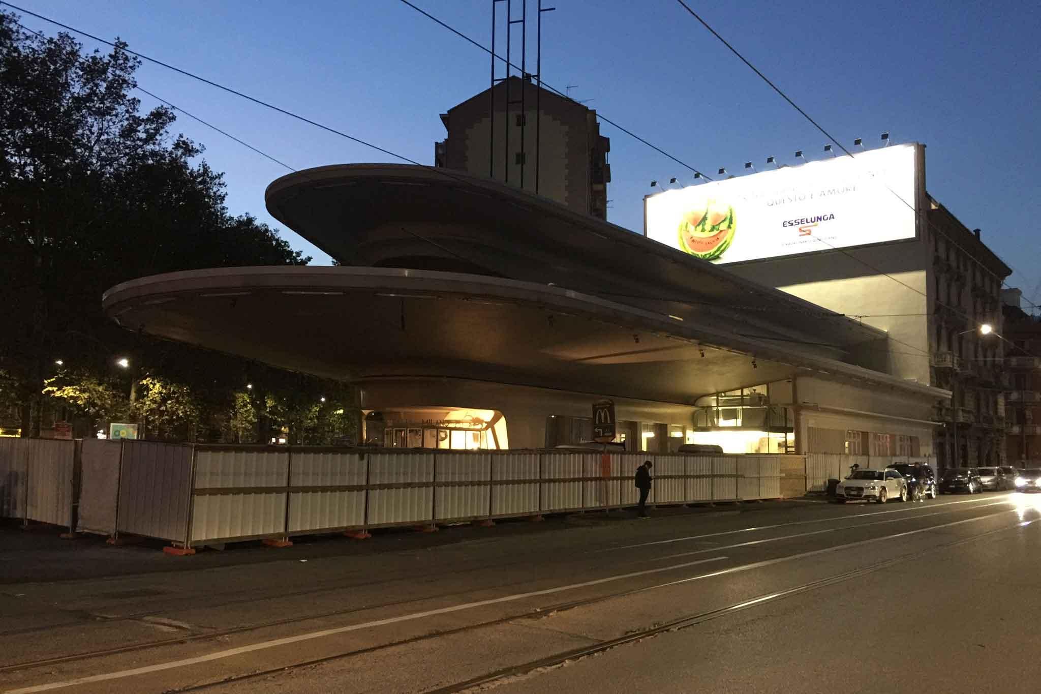 Milano carlo cracco apre il garage mentre arrivano toscanino e le patate gialle - Garage italia ristorante milano ...
