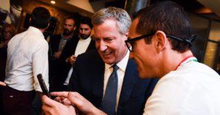 Tutte le foto di Gino Sorbillo con il sindaco Bill de Blasio che spiegano il successo stellare di New York