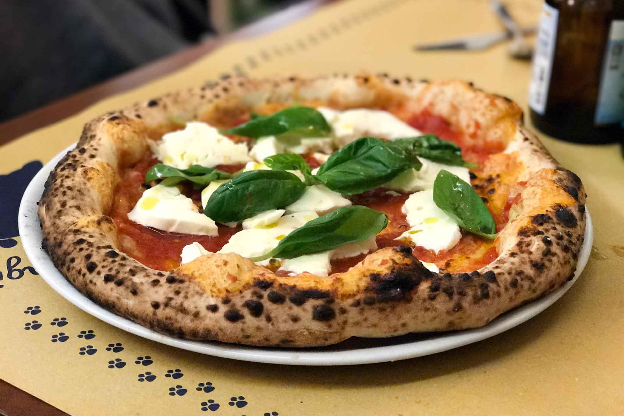 Pizza margherita le 5 pizzerie migliori sono a napoli - Pizzeria le finestre roma ...