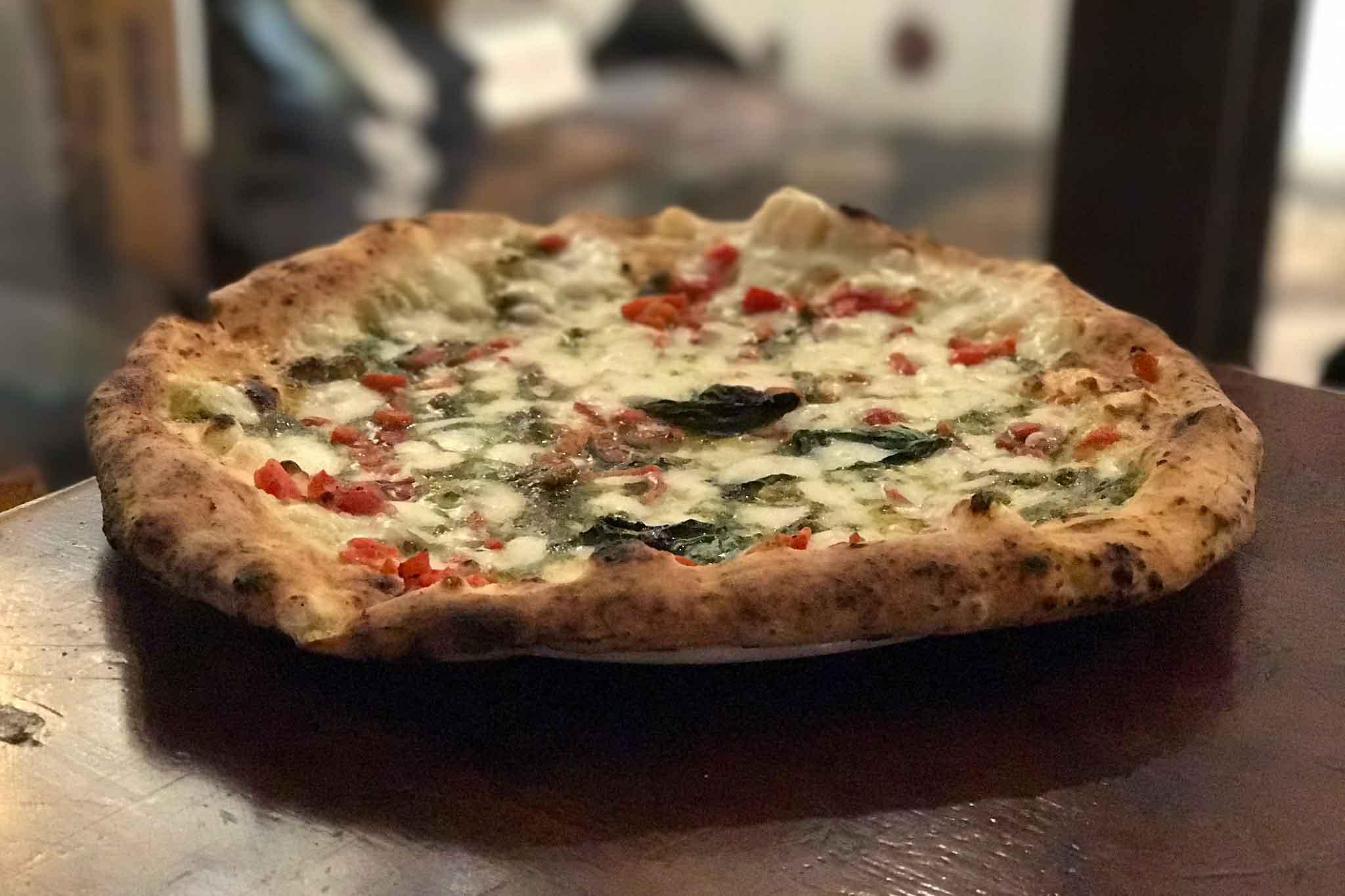 pizza Nonna Carolina Sorbillo pesto