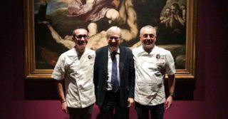 Pizza Unesco. Geniale l'arte immateriale che diventa materiale e si mangia: parola di Vittorio Sgarbi da Sorbillo e Coccia
