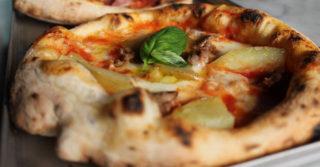 La migliore Pizza della Settimana è la Rustica con Fior di Latte e salsiccia di Briscola a Milano