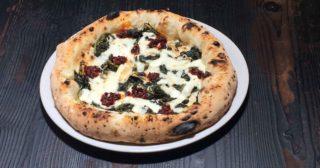 Pizza. La Pizzeria P a Lissone è una delle migliori di Lombardia