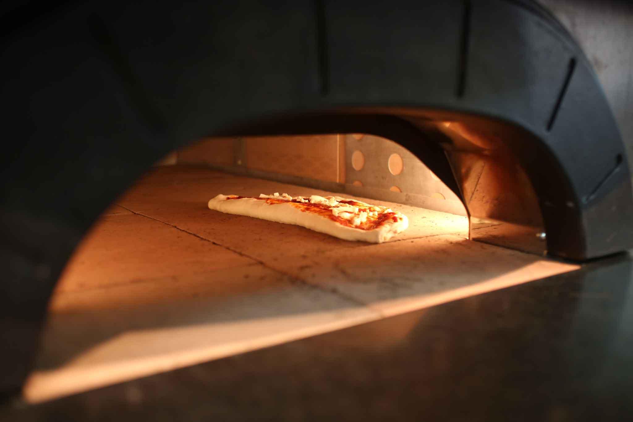 Rag la ricetta cult di palazzo petrucci che va su pizza for Tempo cottura pizza forno ventilato