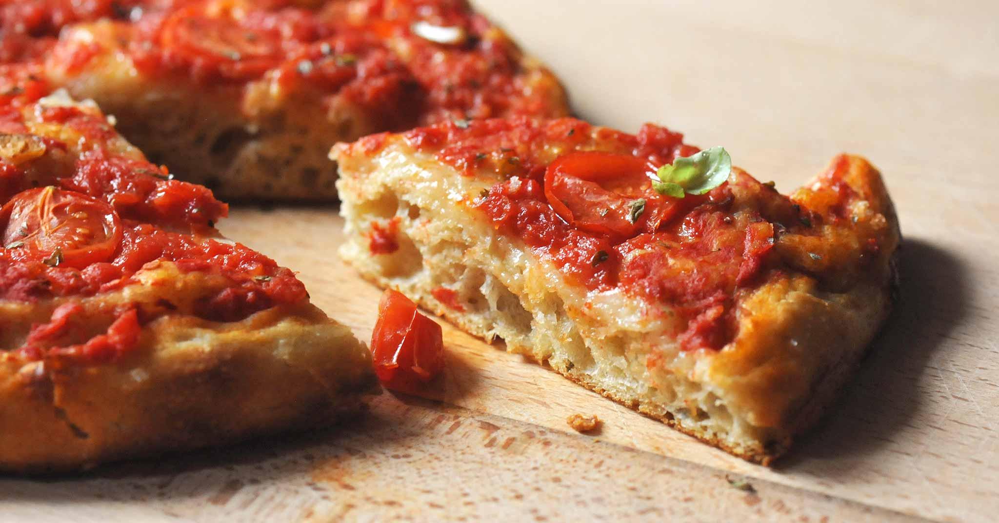 Ricetta Pizza Napoletana Teglia.Lezioni Di Pizza Teglia E Ruoto Con La Ricetta Di Salvatore Lioniello