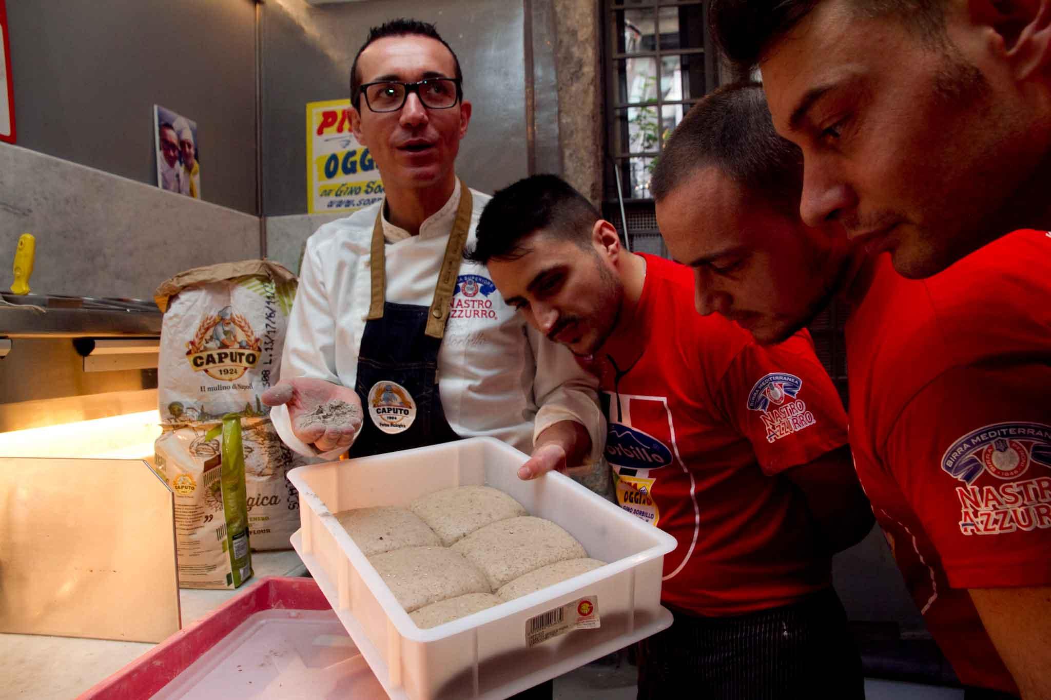 Gino Sorbillo e impasto pizza