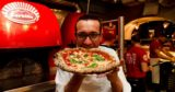 Gino Sorbillo mette in menu la pizza Cracco ai Tribunali a 16 €