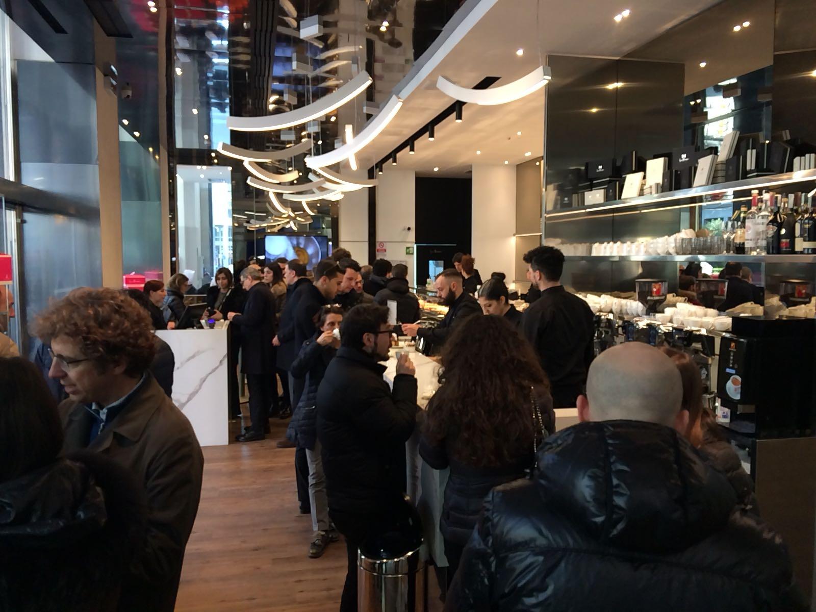 Milano dolci e prezzi della pasticceria che iginio for Uffici temporanei milano prezzi