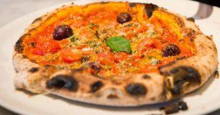 La pizza più siciliana della Sicilia la mangiate da Sardasalata a Licata