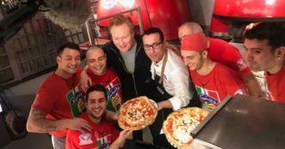 Da New York a Napoli: Conan O'Brien sceglie la pizza di Gino Sorbillo
