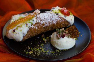 Sicilia. Il cannolo siciliano più buono lo mangiate a Santa Cristina Gela