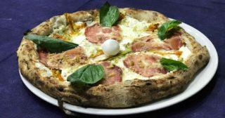 Napoli. Errico Porzio apre la nuova pizzeria e dice la verità sulla pizza nutella e salsicce