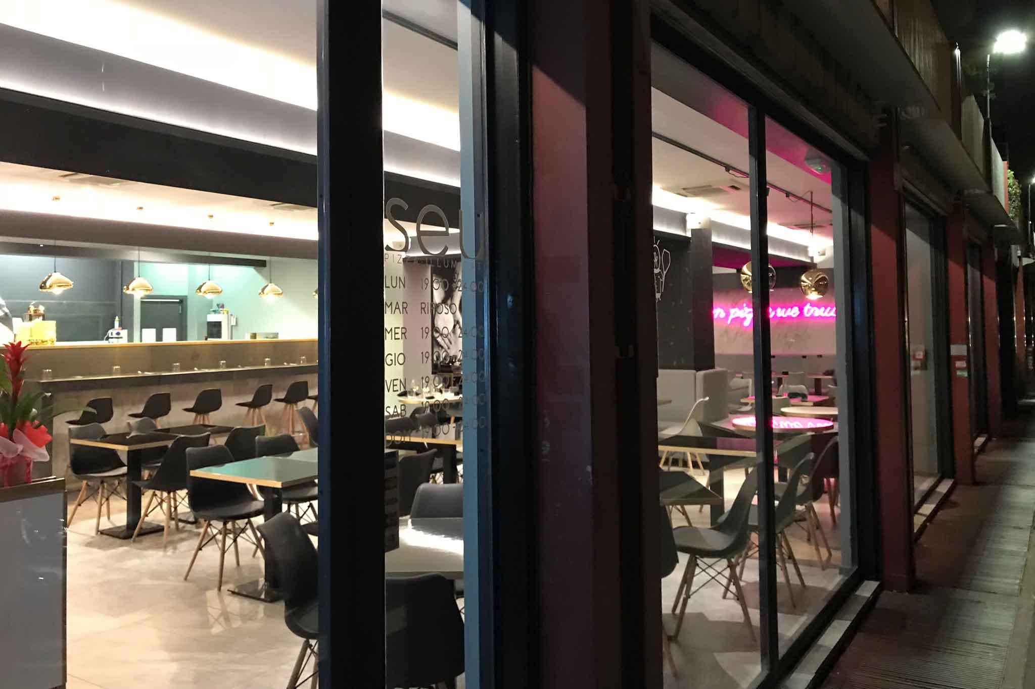 Tavoli Di Marmo Viale Trastevere : Ai marmi pizzeria in rome trastevere for excellent pizza