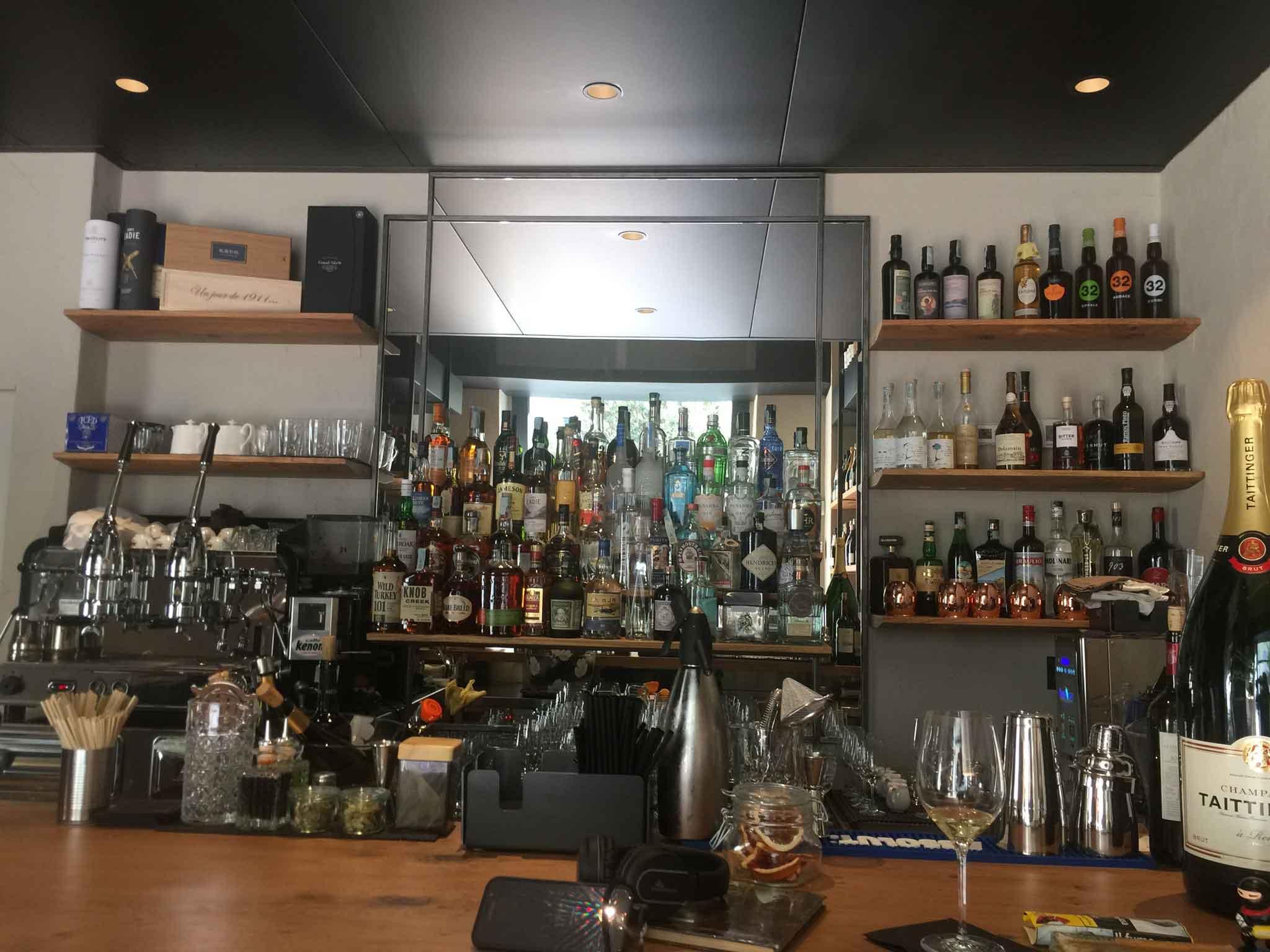Milano. sotto sotto enoteca che apre con ristorante in paolo sarpi