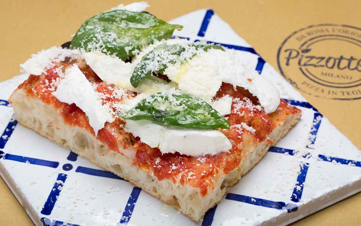 Milano pizzottella la nuova pizzeria che porta la teglia - Pizzeria milano porta romana ...