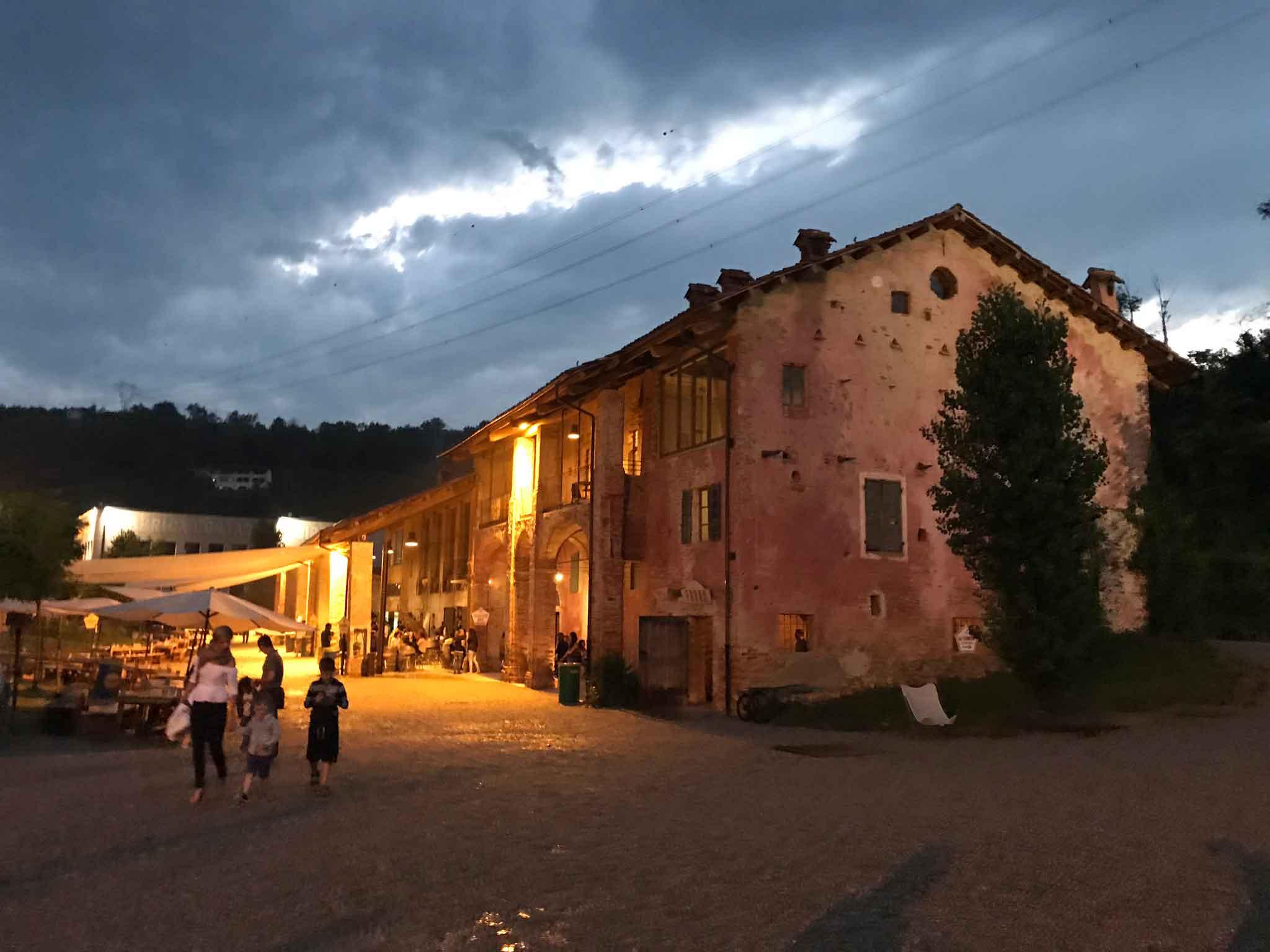 Baladin Open Garden Piozzo Langhe Piemonte casolare