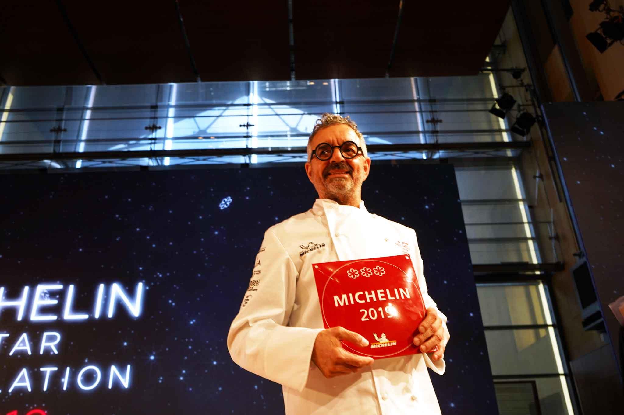 lo chef mauro uliassi alla consegna delle 3 stelle michelin