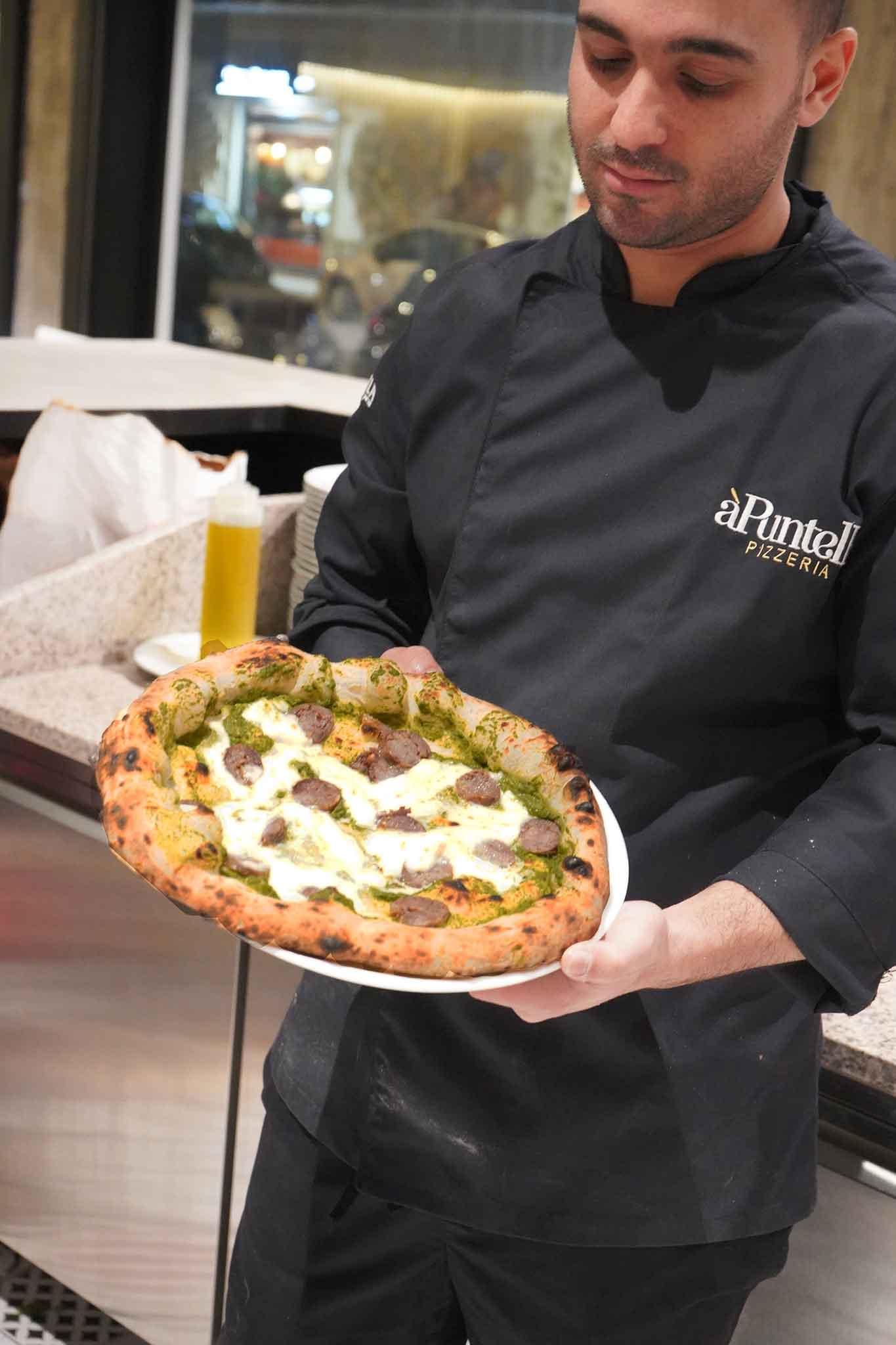 Salerno La Pizza Della Settimana è La Salsiccia E Friarielli Della