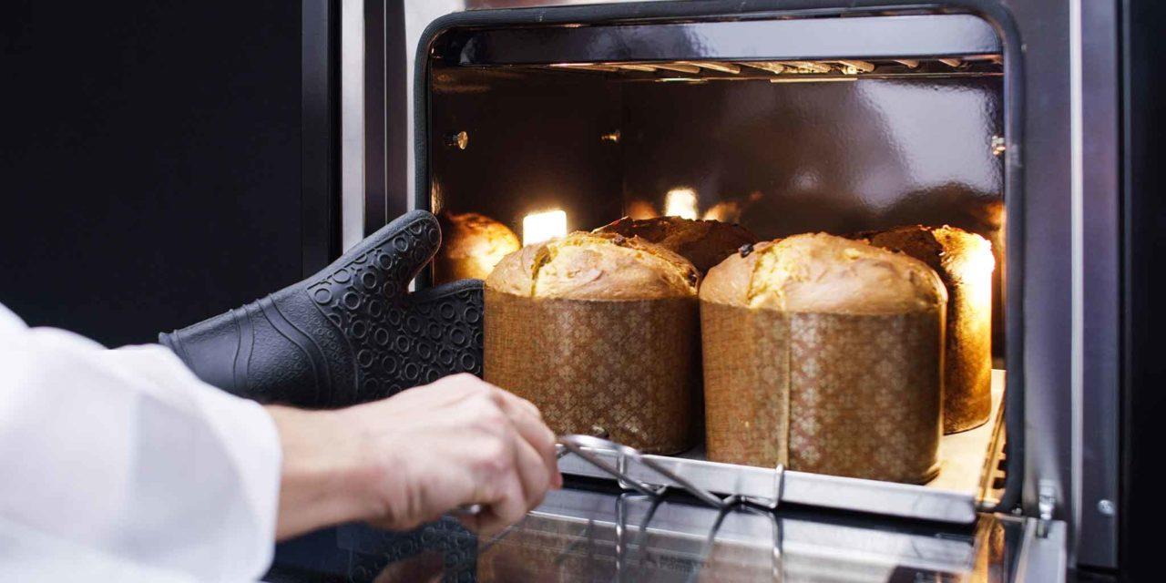 colomba e panettone nel forno