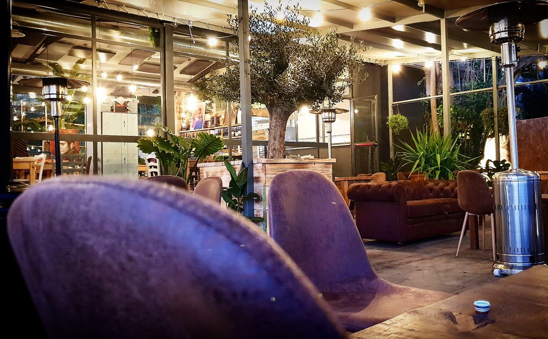 Roma voia pizzeria ristorante con orto in un casale a talenti - Pizzeria con giardino roma ...