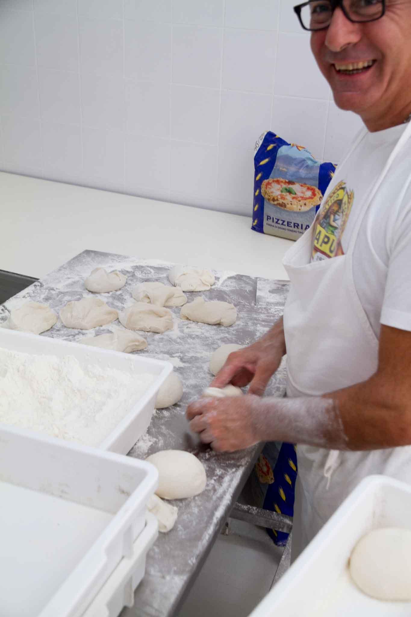 Lezioni di pizza la pizza napoletana di michele da fare a casa - Percentuale di umidita in casa ...