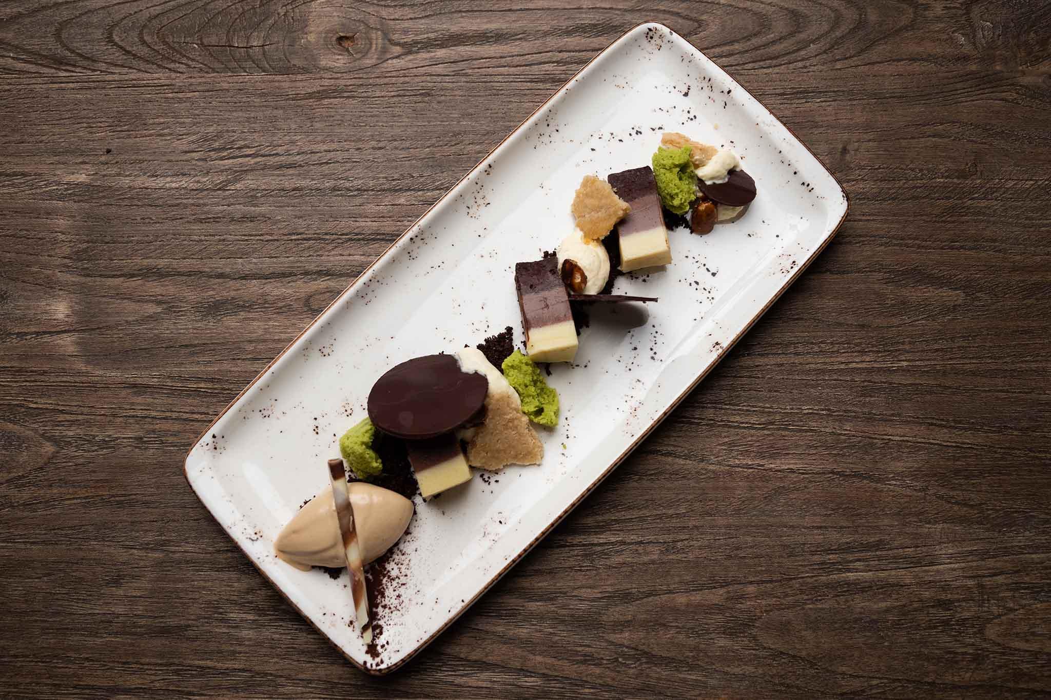 Roots ristorante didattico Les Roches Svizzera torroncino pistacchio