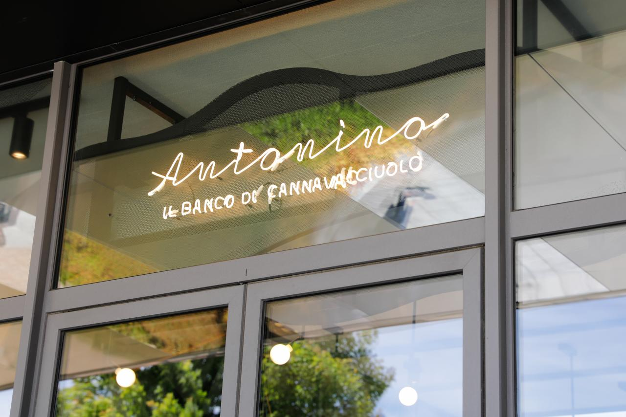 competitive price 6a2bf 443cf Cannavacciuolo apre Antonino all'outlet di Vicolungo