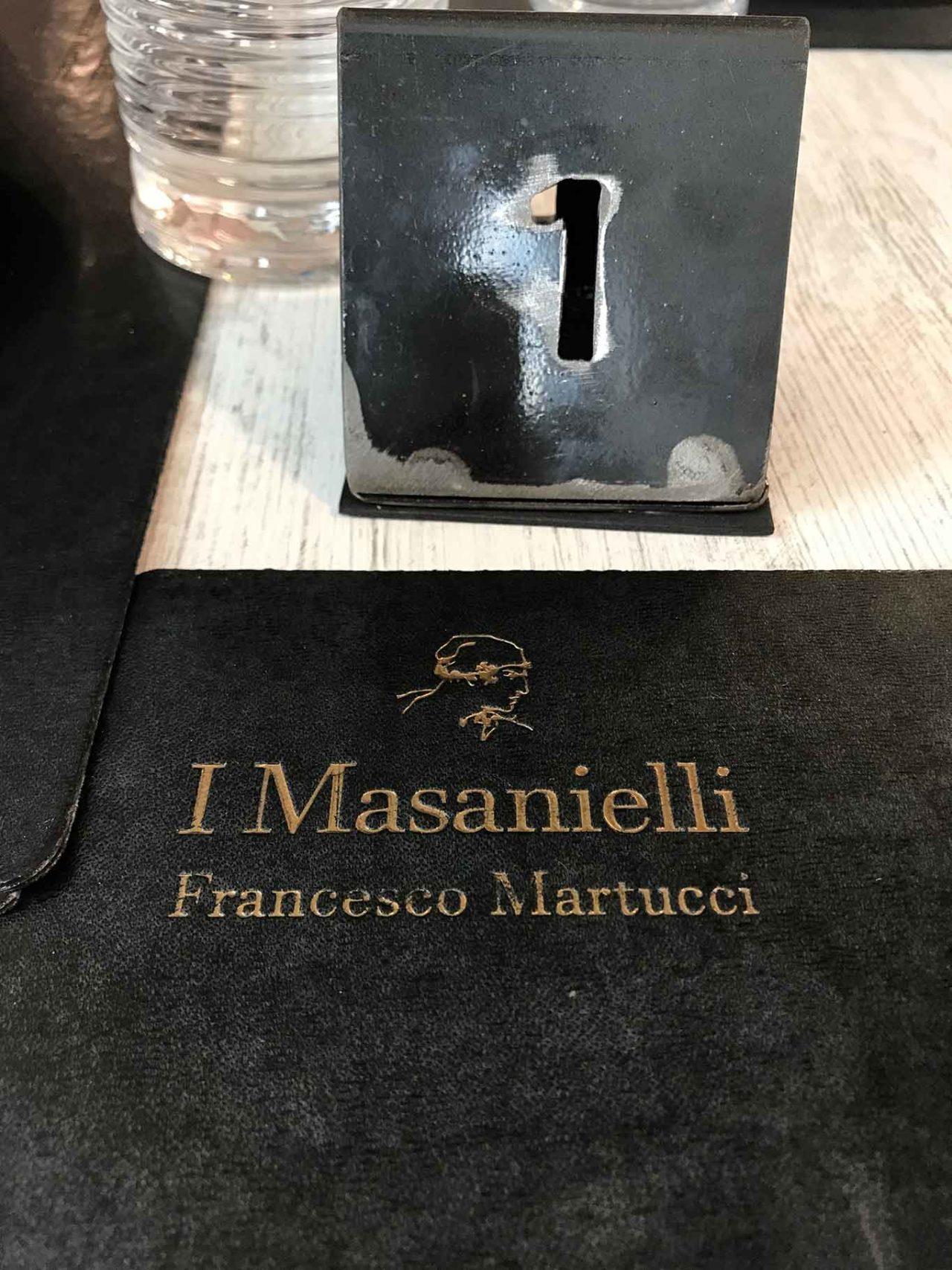 tavolo pizzeria I Masanielli