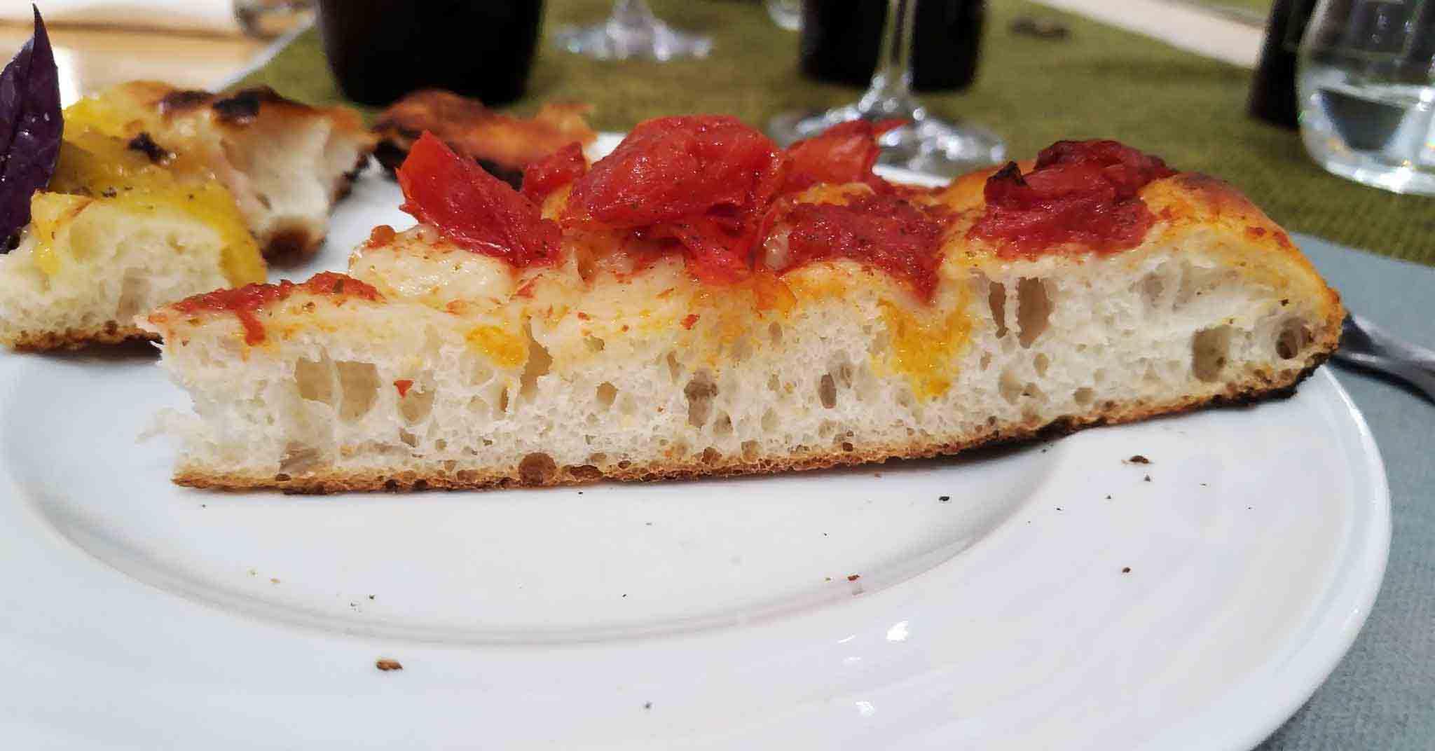 pizza nel ruoto di Temi di Terra a Caiazzo (Caserta)