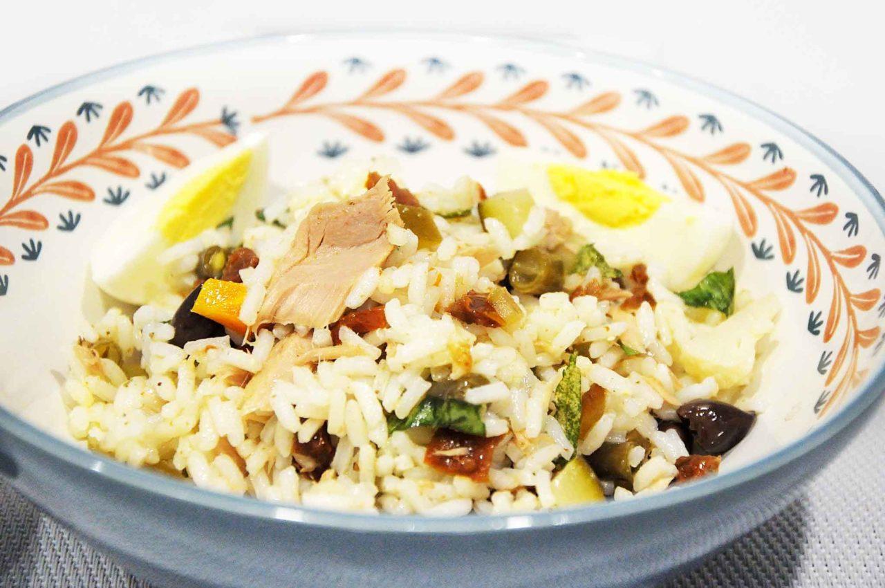Insalata di riso piatto