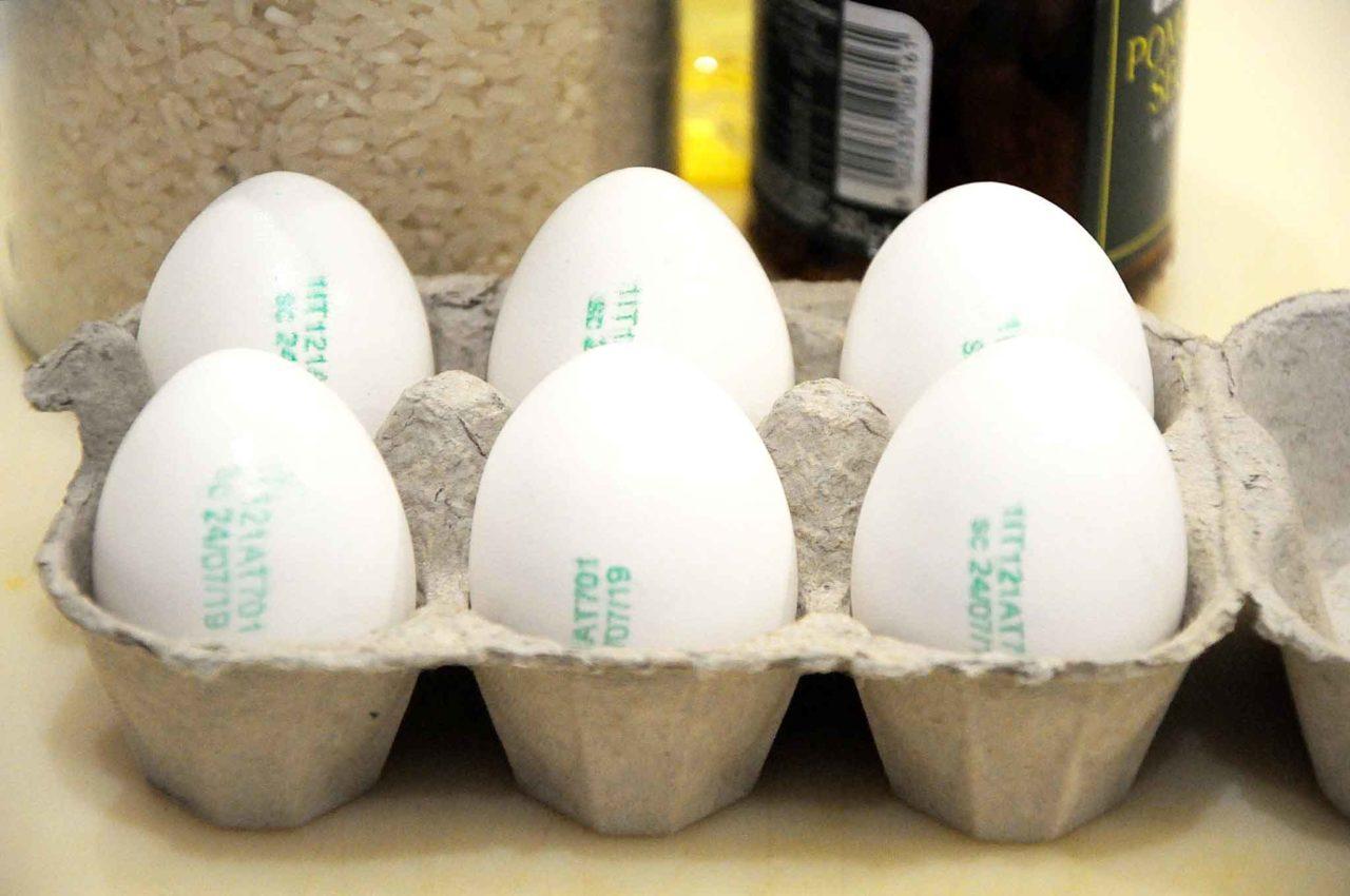 uova di gallina livornese per insalata di riso perfetta