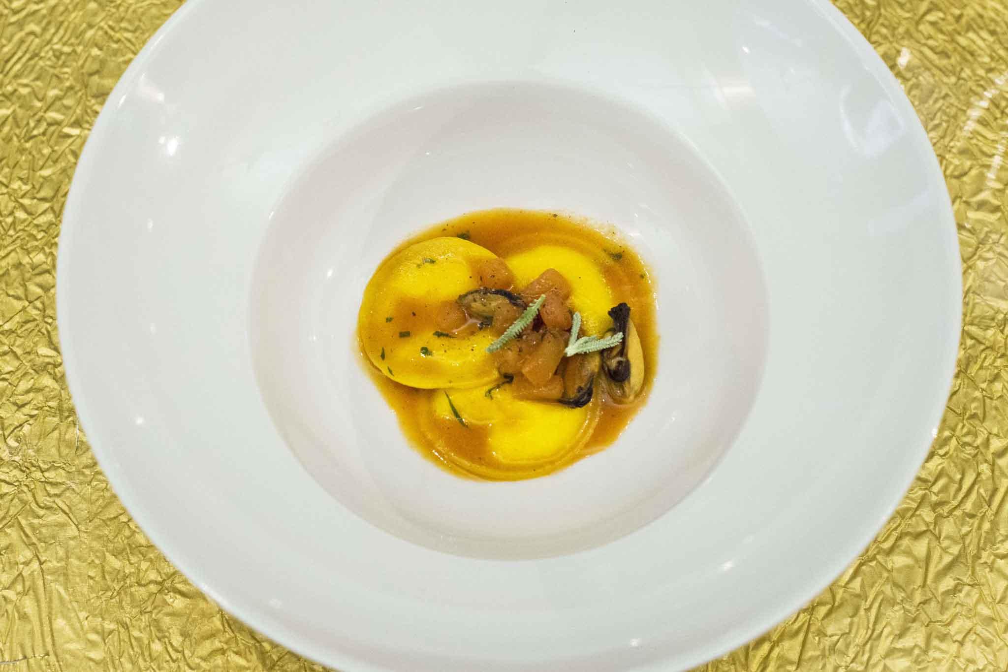 pasta fresca ripiena con pesce