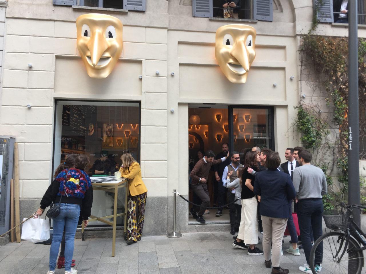 chiusure a Milano Amor