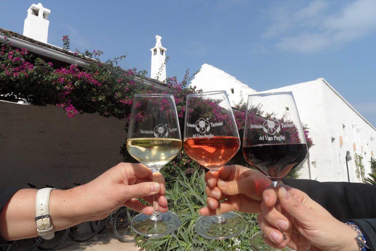 Movimento Turismo Vino Puglia calice rosso, bianco e rosé