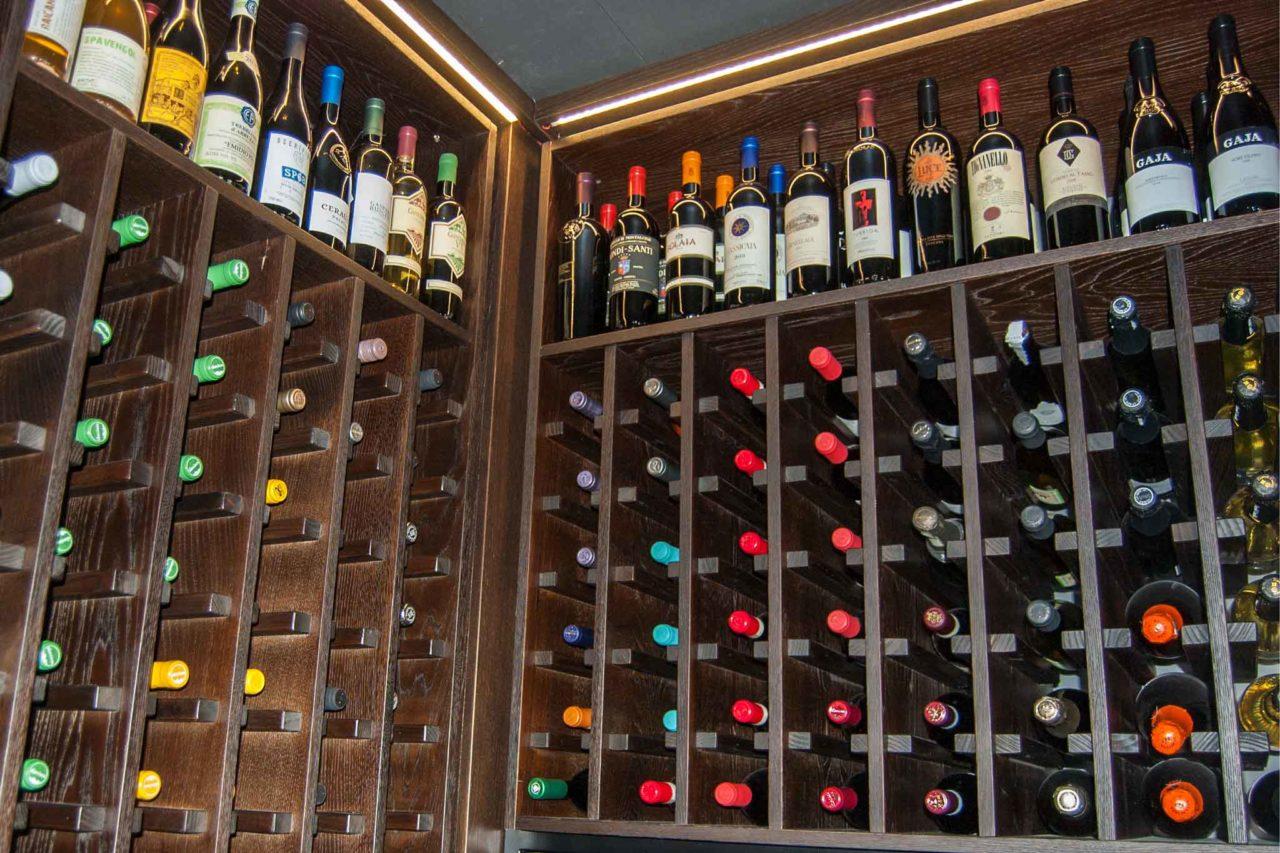 ristorante con ottima carta dei vini