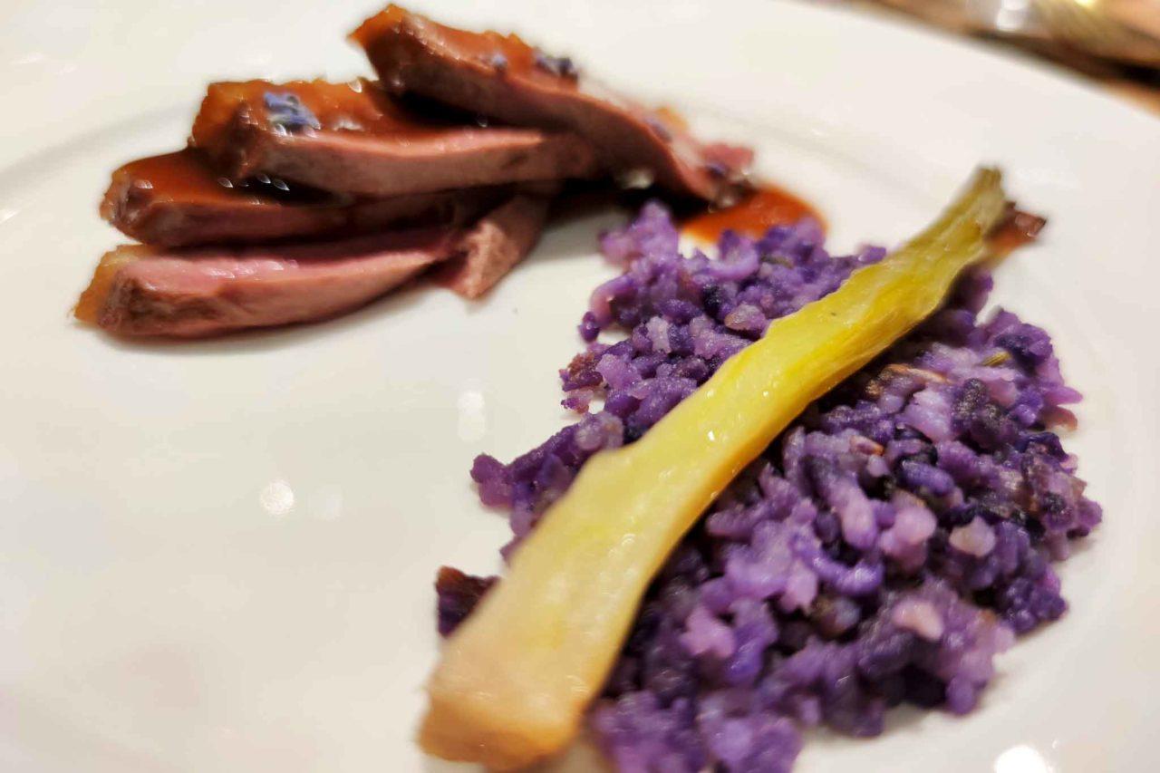 ristorante con menu di carne