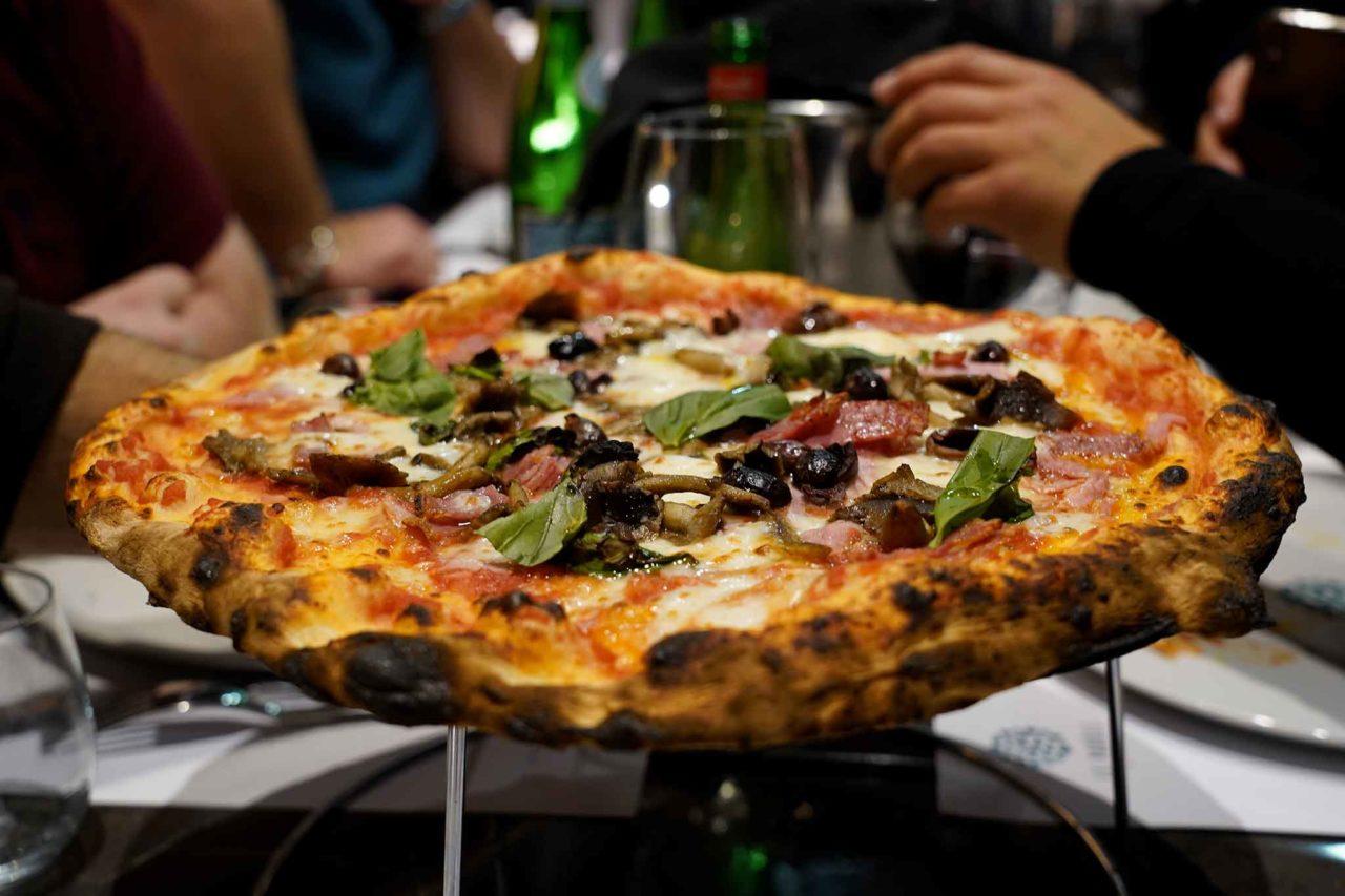 pizza tradizionale capricciosa pizzeria Le Parule Giuseppe Pignalosa Ercolano