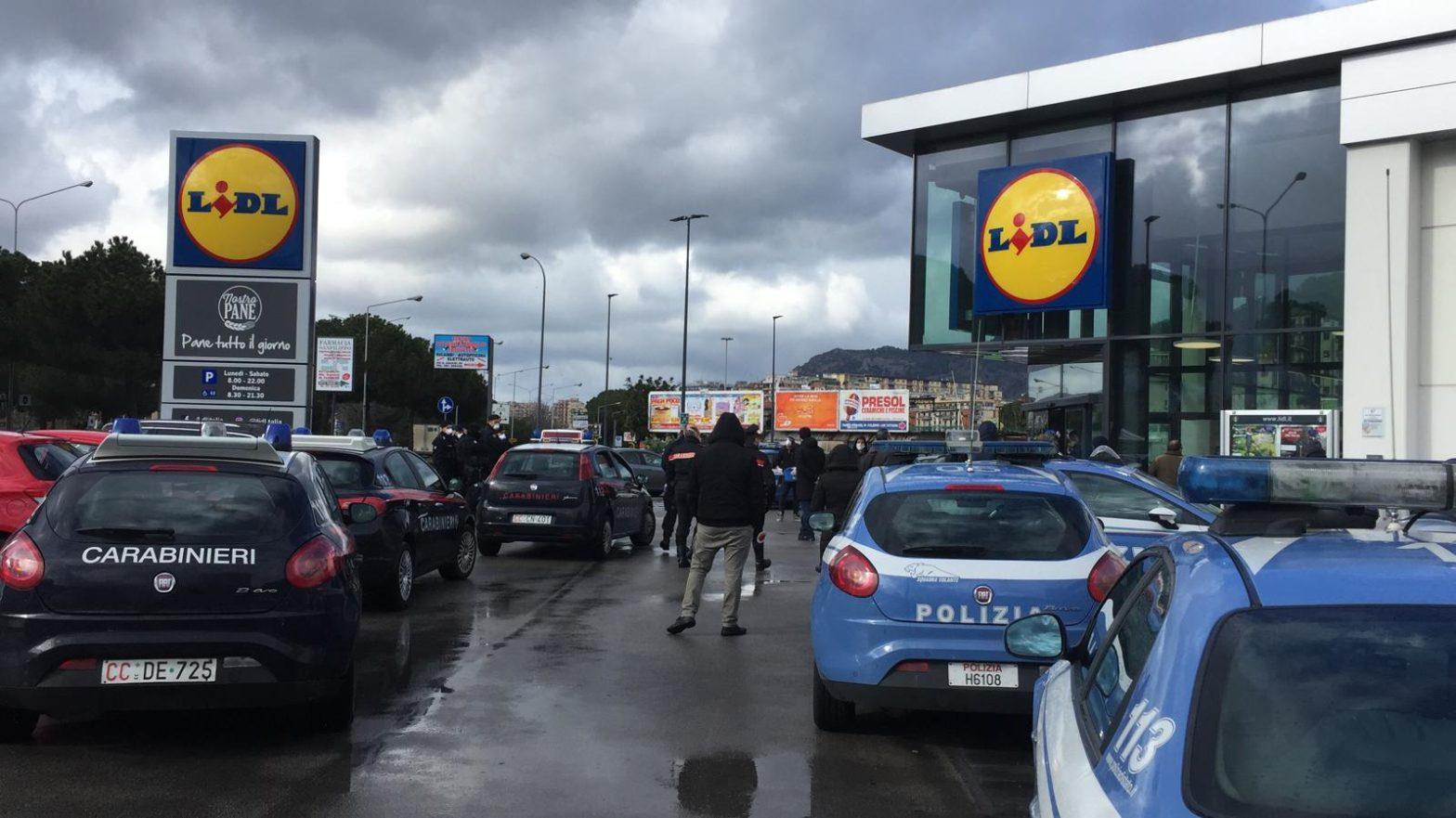 spesa lidl polizia palermo