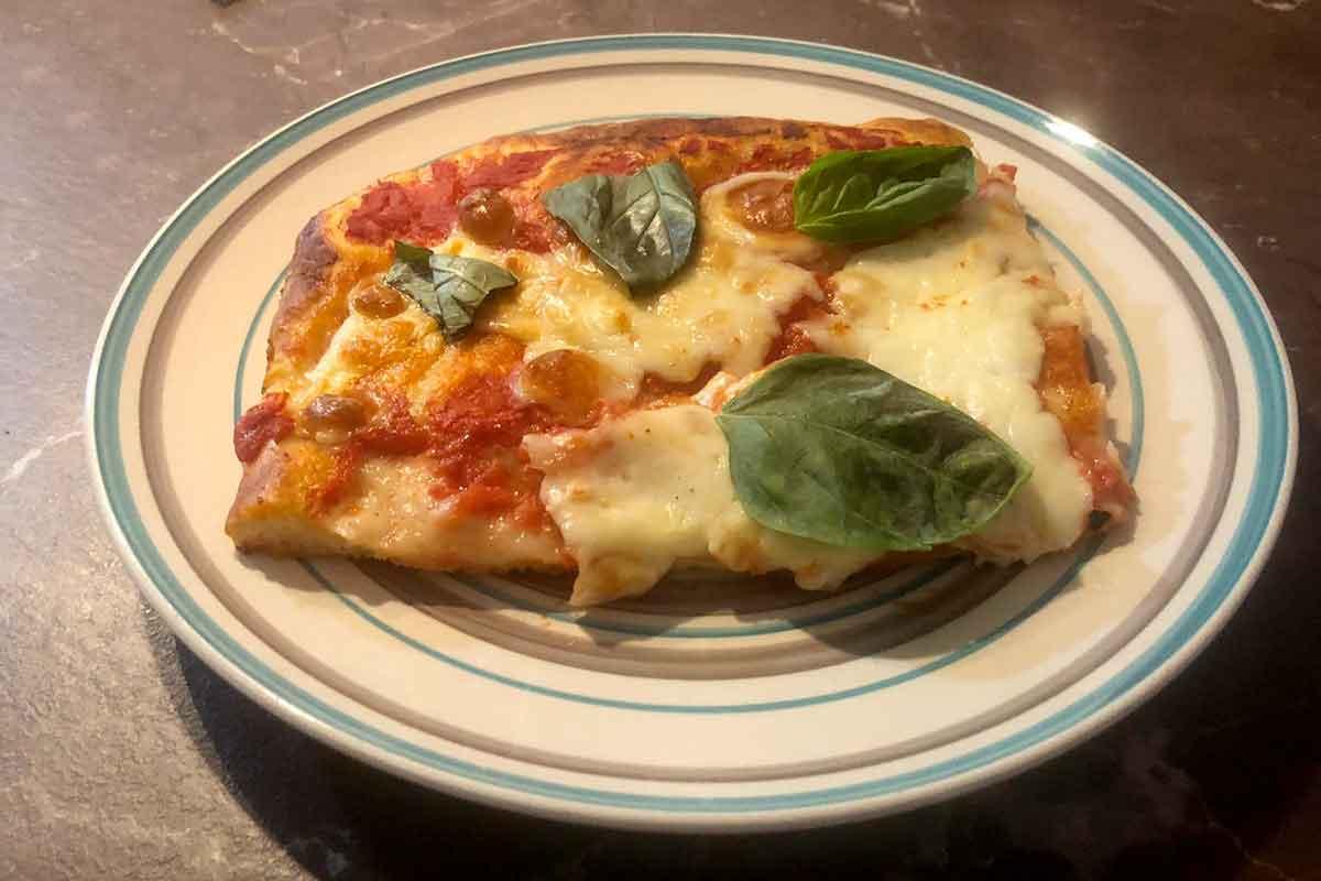 pizza margherita in teglia da fare a casa
