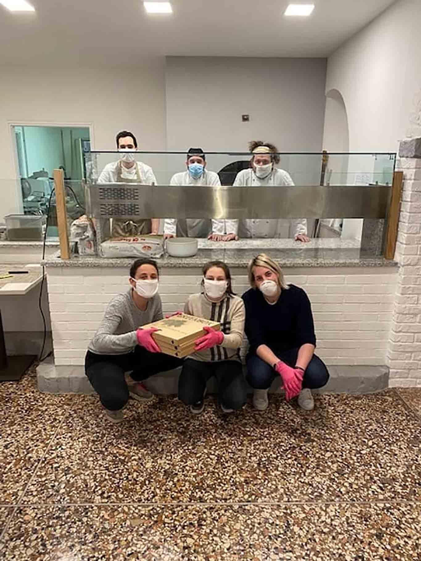 la pizzeria che apre in piena emergenza coronavirus Lalo Pace