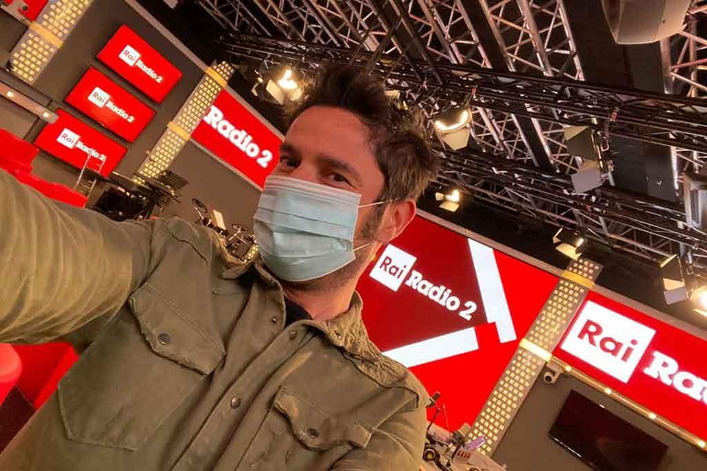 Tinto, alias Nicola Prudente, dotato di mascherina protettiva