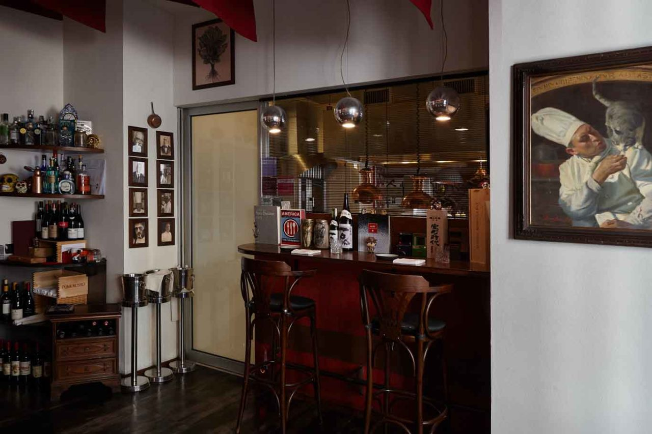 Al mercato milano eugenio roncoroni interno bar cucina