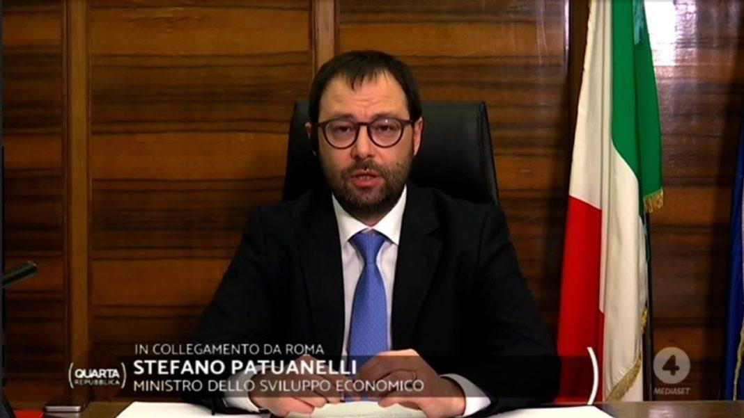 il ministro Patuanelli