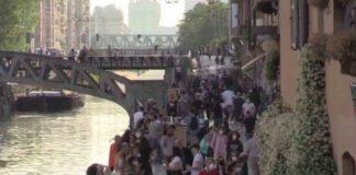 Navigli Milano folla Coronavirus