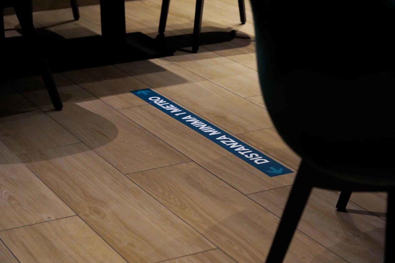 distanze tra tavoli