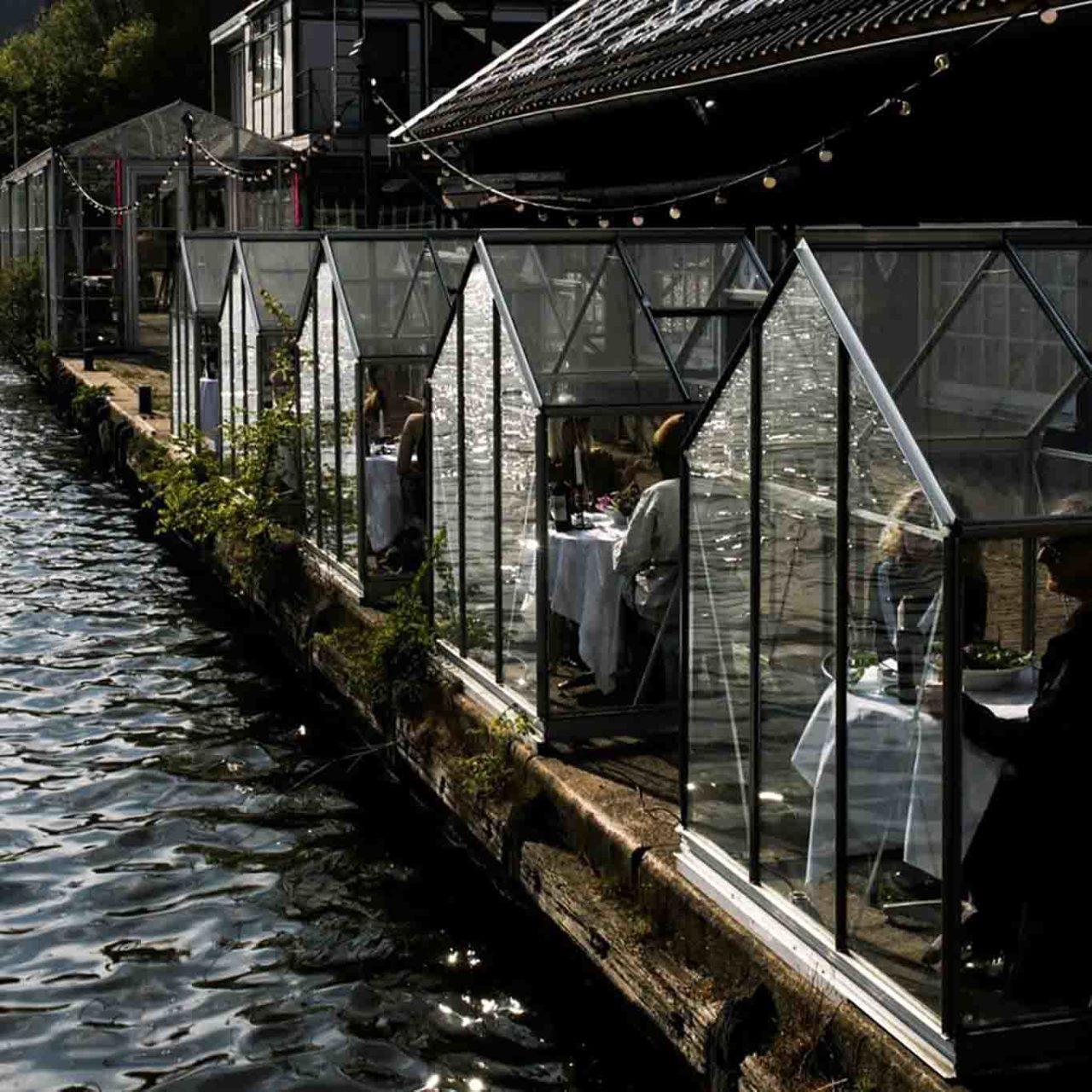 ristorante cabine di vetro mediamatic serres separees Olanda