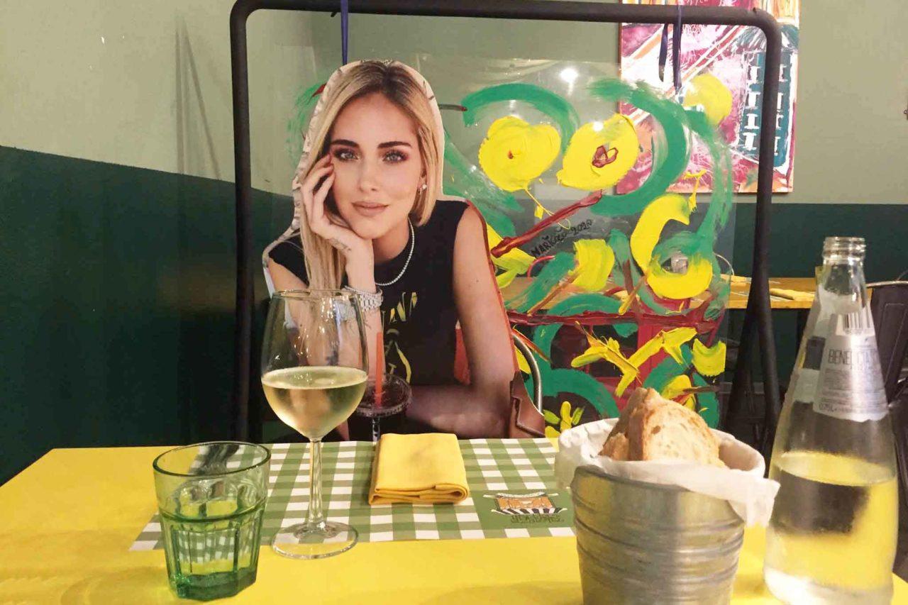 Chiara Ferragni tavolo Consorzio Stoppani Milano