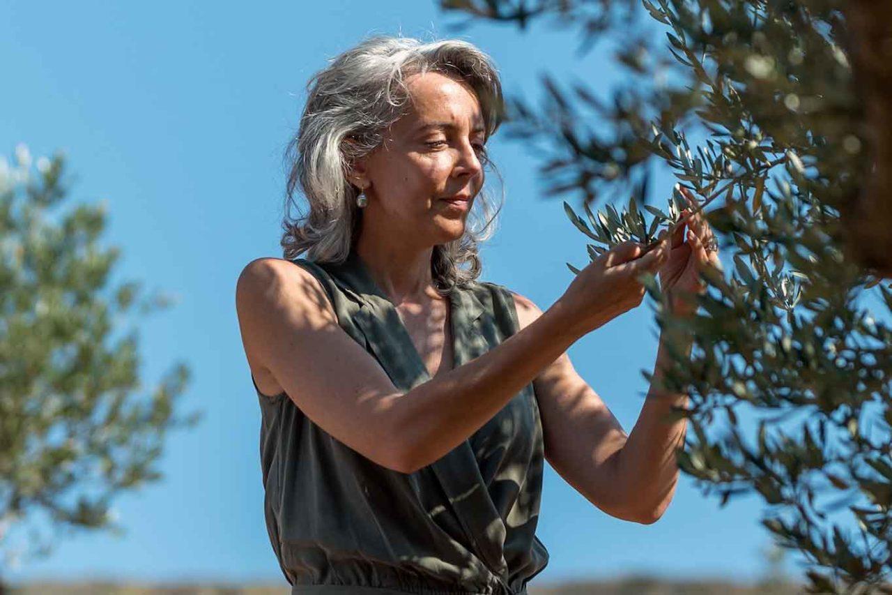 Olio extravergine di oliva. Emmanuelle Dechelette fondatrice di Olio Nuovo Day