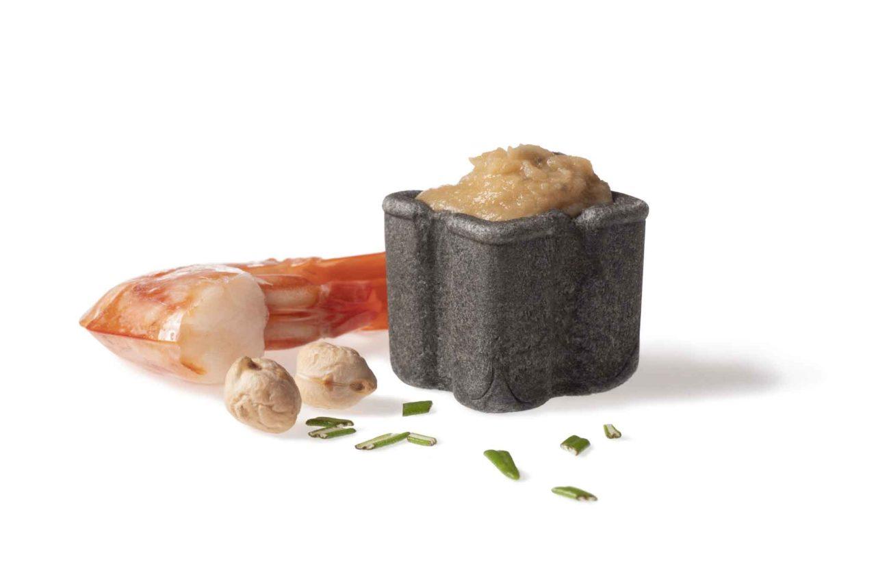 Food design: ini crema di ceci rosmarino gambero rosso bisque
