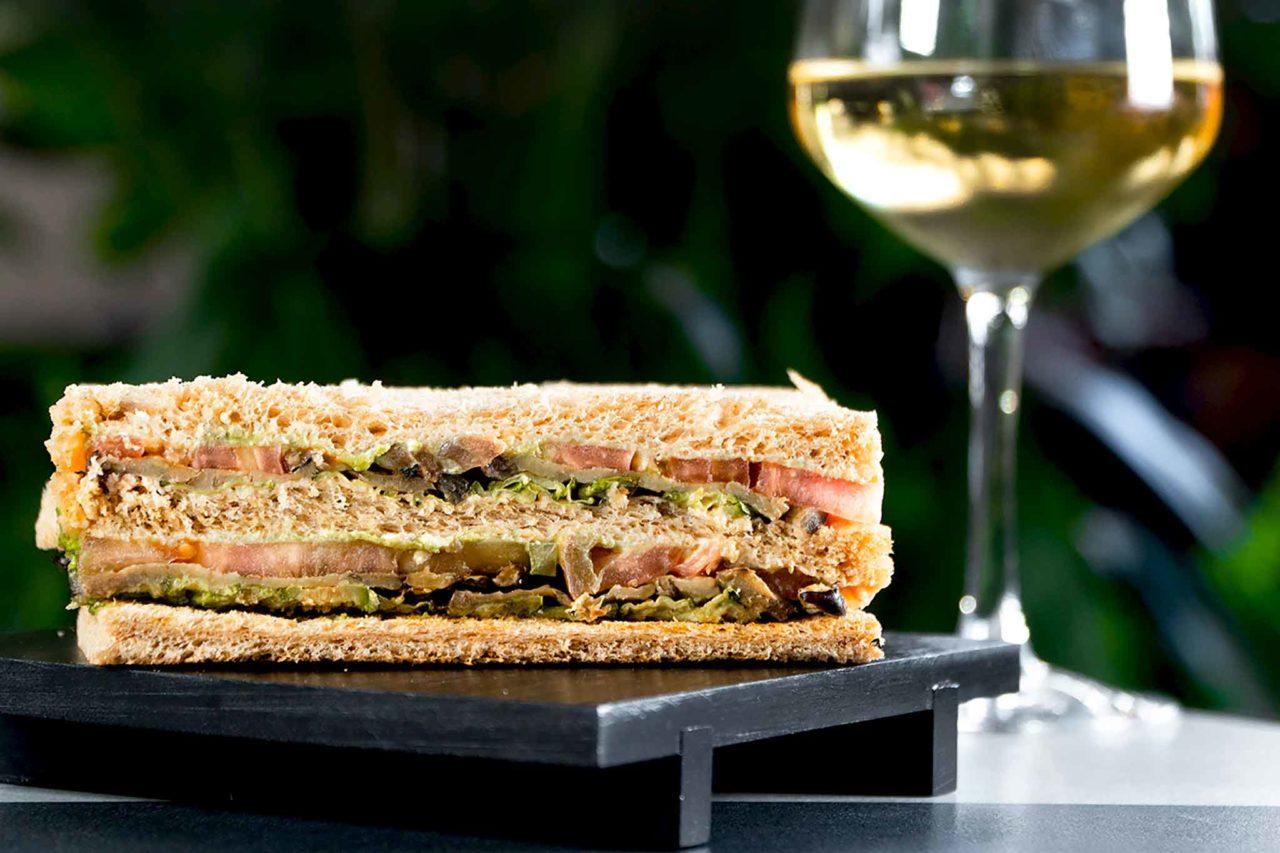 club sandwich vegetariano Dafne Garden Cafè